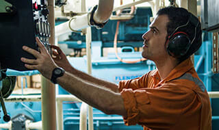 How To Become A Marine Engineer Jobhero